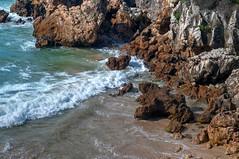 Rocas en la orilla (ccc.39) Tags: asturias mar cantábrico orilla agua rocas troenzo espuma