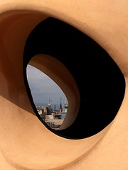 La Pedrera (Casa Milà) (paulaaiglesiaas) Tags: lapedrera casamilà cataluña barcelona antoniogaudí gaudí modernismo modernisme beauty modernism