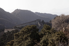 The Chinese Wall (Joost10000) Tags: asia wall chinese chinesewall forrest mountains outdoors scenic nature landscape beauty greatwall defense fortification landschaft natur canon eos canon5d trees haze china