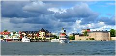 Vaxholm - Vaxholmsbåt (lagergrenjan) Tags: vaxholm vaxholmsbåt fästning hotel