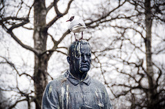 Vigeland Statue, Oslo (briburt) Tags: statue vigeland oslo pigeon bird art outdoor sculpture norway