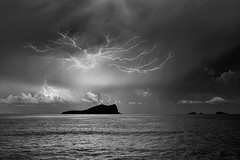 The other night show (samurifu) Tags: tormenta strom calaconta nightphotography nikon bw ibiza balearicislands