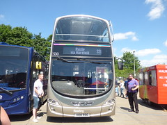 The Local That Will Never Happen (londonbusexplorer) Tags: reading buses arriva london daf db250 wright gemini dw55 530 lj04leu x100rdg 331 ruislip uxbridge blind change open day 2017