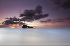 Dreaming (ManuMatas) Tags: biarritz france francia basquecountry manumatas sea mar cantabrico zapato roca ocaso sunsine