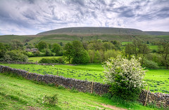 Pendle Hill Warsaw Hill_01v1 (Neil2302) Tags: ribble valley warsaw hill lancashire hdr pendle