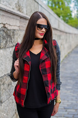 (PinkPetra) Tags: budapest vargaviki sunglasses red redlips style stylish longhair black blackhair outfit fashion fashionphotography fashionphoto fashionmodel streetfashion choker watch