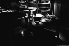 Atelier Hideko Honma (Celso Kuwajima) Tags: bokeh leicasummiluxm3514 leicam4 20170528 bw analogphotography ilfordhp5 indoor sãopaulo brazil br pottery epsonv800 silverfastai