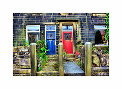 Neighbours ! Theresa & Jeremy ? (CJS*64) Tags: cjs64 craigsunter cjs nikon nikkorlens nikkor haworth red blue doors frontdoors front westyorkshire neighbours nikond7000 d7000 18mm105mmlens 18105mmlens