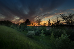 over the hill (Christian Collins) Tags: canoneos5dmarkiv sunset atardecer hill overthehill canon iv michigan sol clouds nubes trees mi midmichigan midland downhill sight specatular rokinon 14mm wideangle summer verano