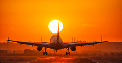 Landing at sunset (jsanchezqSpotter) Tags: sunset a320 aiplane aircraft aviation spotter spotting