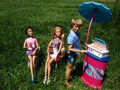 Family Reunion (flores272) Tags: teresa barbiedoll teresadoll kendoll grilling barbiefurniture barbieclothing outdoors barbielovestmxelmo barbiegrilltochillset