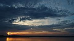 Wolkenzange / Cloud pliers - Cospudener See (Robert Zebahl) Tags: sky himmel sunset sonnenuntergang sun sonne lake see cospudenersee outdoor natur nature landscape landschaft nikon d3300 water wasser astoundingimage wolken clouds licht schatten light shadow