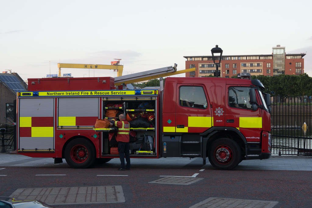 NORTHERN IRELAND FIRE AND RESCUE SERVICE IN BELFAST [SRT APPLIANCE]-129108