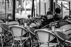 Back to the '60s (Mario Rasso) Tags: mariorasso nikond810 barcelona cataluña catalunya spain españa blackandwhite blackwhite hat man people coffee street streetphotography urban urbano
