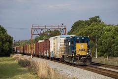 Winston Searchlights (Colin Dell) Tags: csx gp383 searchlights winston lakeland yard signals boxcar csx6520 csxtransportation freight train local