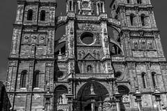 fachada catedral de Astorga, León (phooneenix) Tags: fachada catedral astorga blackandwhite blancoynegro león