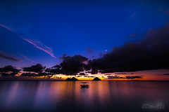 the planet venus at sunrise over the mokulua islands from lanikai beach in kailua Hawaii _N8Q2726 (The Smoking Camera) Tags: lanikai beach kailua hawaii oahu ocean shore island sunrise clouds stars sky venus longexposure nikon d810a 1424mm