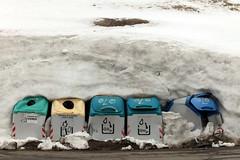 156r (Cloudman 7F) Tags: pirineos nieve contenedores