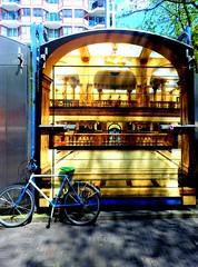 Waterlooplein02 (Quetzalcoatl002) Tags: amsterdam waterlooplein fleamarket container bike streetart illusive