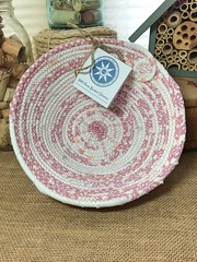 """Small Table Basket #1126 • <a style=""""font-size:0.8em;"""" href=""""http://www.flickr.com/photos/54958436@N05/34957908565/"""" target=""""_blank"""">View on Flickr</a>"""