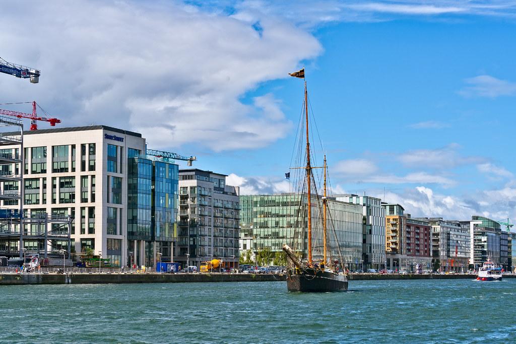 Bessie Ellen - 1904 Historic Trading Ketch [Departing Dublin Port]-129451