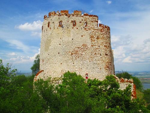 Věž zříceniny hradu Děvičky