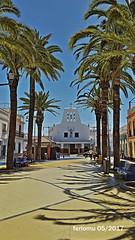 Isla Cristina. Huelva 08 Av Ángel Pérez (ferlomu) Tags: arbol arquitectura calle ferlomu huelva iglesia islacristina
