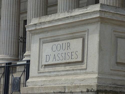 Palais de justice historique de Lyon - Quai Romain Rolland, Lyon - sign - Cour D' Assises