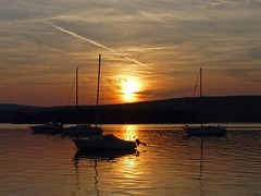 Croatia, sunset (duqueıros) Tags: kroatien croatia rab inselrab island abendlicht sonnenuntergang sunset boote boats duqueiros