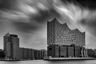 Elbphilharmonie in B&W and LE