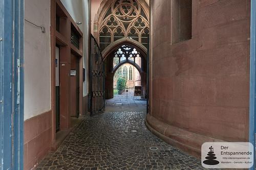 Eingang zum Kreuzgang des Mainzer Doms