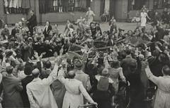 1945 Vorstenhuis (Steenvoorde Leen - 4 ml views) Tags: vorstenhuis koninklijk huis koninklijke familie monochroom 1945 amsterdam dynasty dynastie dinastia dutch netherlands hollanda niederlande ansichtkaart card karte family