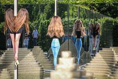 Spieglein, Spieglein (Lens Daemmi) Tags: 2017 berlin iga internationalegartenausstellung garden international show spiegel mirror mädchen girls deutschland de