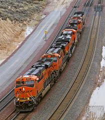2014-12-20 Cajon Pass Summit CA BNSF8047 ES44C4 (maximaguy97) Tags: locomotive ge generalelectric gevo es44c4 cajonpass summit bnsf bnsf8047