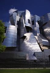 Modern Day Castle (michael.veltman) Tags: frank gehry museum art university minnesota minneapolis
