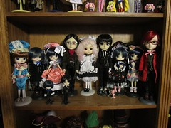 Grell joins the BB crew (TrueFan) Tags: doll groove coco blackbutler ciel robinciel sebastian grell pullip dal taeyang honeysuckle huckleberry youtsuzu oxford