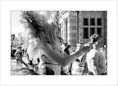 Pour plus d'égalité... (Panafloma) Tags: arras arrasgaypride2017 france fr hautsdefrance parade déguisement monochrome bw architecture noiretblanc noiretblancfrance streetphoto streetphotography