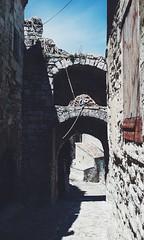 Cordes Ariane (thomasquintin) Tags: scad provence chemin cordes pierre lacoste