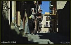 Alla luce del mattino per le strade di Cianciana - Maggio-2017 (agostinodascoli) Tags: nikon nikkor cianciana sicilia agostinodascoli travel viaggi paesi texture strade vie