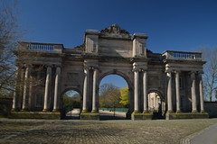 Grand Entrance to Birkenhead Park (CoasterMadMatt) Tags: birkenhead2017 birkenhead town towns englishtowns birkenheadpark park parks parkland grandentrance grand entrance arch archways arches thewirral wirral building structure architecture merseyside northwestengland england britain greatbritain gb unitedkingdom uk april2017 spring2017 april spring 2017 coastermadmattphotography coastermadmatt photos photographs photography nikond3200