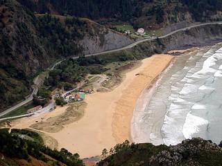 La playa de Laga desde Ogoño, el mayor acantilado de la costa vasca (305 m.)
