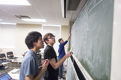 MCS_MR_Quantathon_2017_4927 (CMUScience) Tags: mcs mr quantathon students math physics po classrooms chalkboard collaboration groupwork diversity