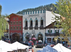 Leavenworth, Washington (Jasperdo) Tags: leavenworth washington roadtrip touristtown bavarianvillage building architecture