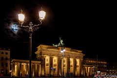 BERLIN (01dgn) Tags: berlin brandenburgertor almanya germany deutschland sky clouds urban night travel panorama
