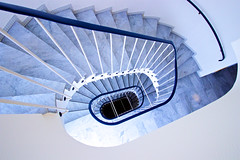 Ice snail (Rosetta Bonatti (RosLol)) Tags: germany monaco münchen munich rosettabonatti roslol münchen stairs staircase scale architecture architettura hotel