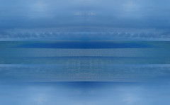 Motce (Symic) Tags: andréswilliamolsenrodriguez symmetry reflect mirror double water blue sky cloud hawaii maui lahaina napili mountain ocean sea mirage
