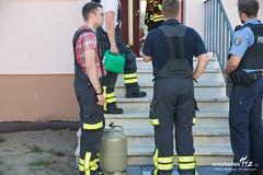 Bedrohungslage Nauheim 14.06.17 (Wiesbaden112.de) Tags: bedrohungslage feuerwehr gasflasche gefährdungslage maschinengewehr nauheim polizei sek suiziandrohung