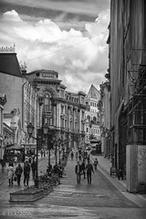 Kuznetsky Most, Moscow (kitchener.lord) Tags: moscow russia impressions travel 2017 fujinonxf1855 blackwhite