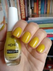 Banho de Sol - Mohda (Mari Hotz) Tags: amarelo unha esmalte mohda