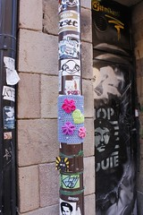 Wild Knitting in Södermalm (dix-tuin) Tags: stockholm streetphotography streetart posters